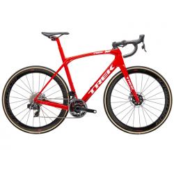 Vélo de course Trek Domane SLR9 rouge